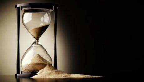 broken-hourglass-462x2621